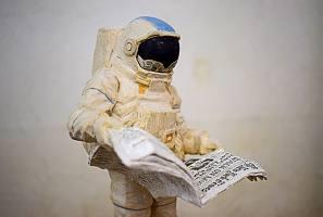News from Earth, Linde,Acryl, 2021, 45cmx15cmx15cm